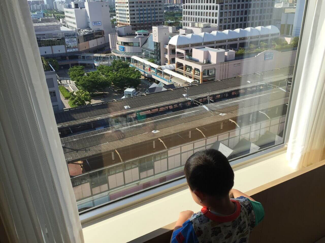 電車が見える部屋だったので、長男も大喜びでした